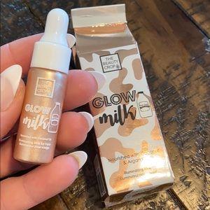 Glow milk liquid bronzer